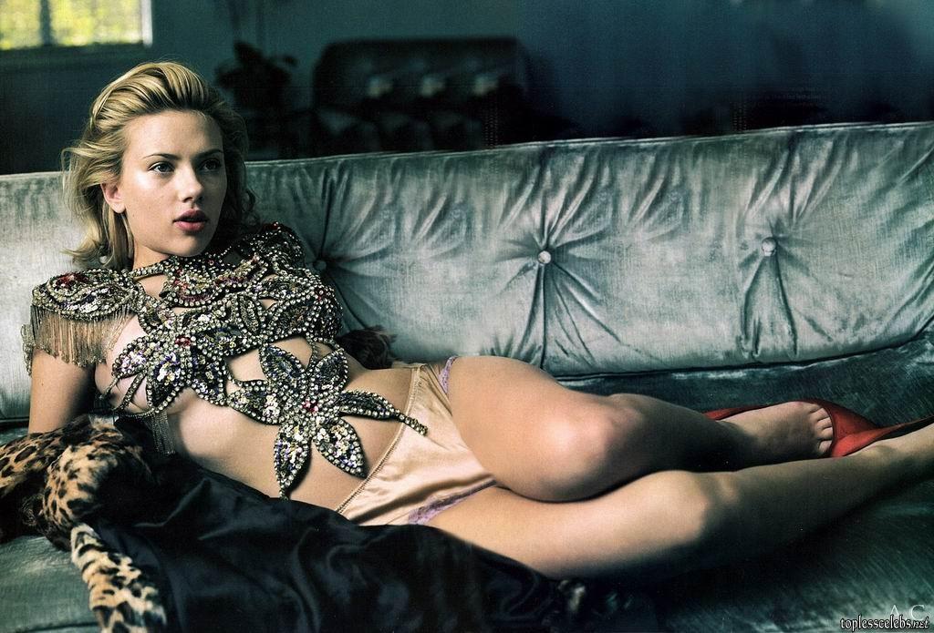 Scarlett-Johansson-topless-4.jpg